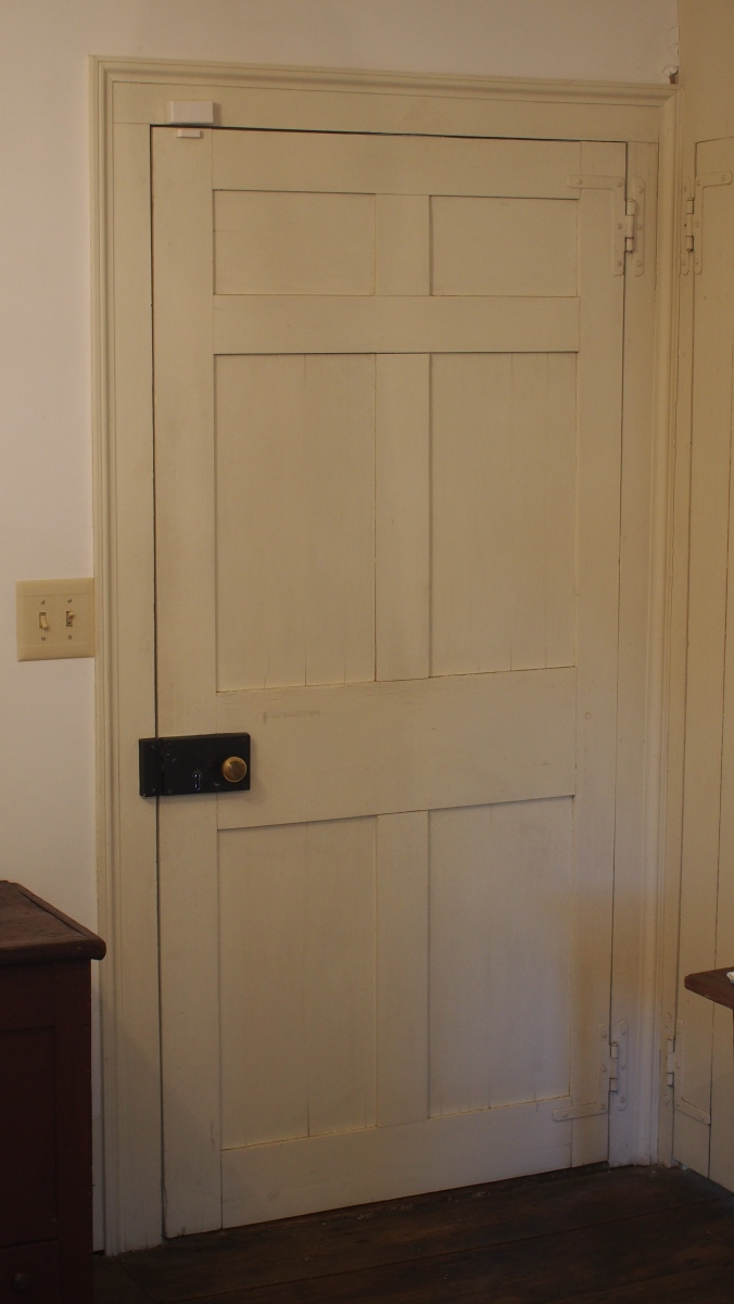 Interior of the Bonds-Conway House. Notice the rim lock, flat panels, H-L hinges, and how they plastered up to the door casing. A perfect case study of early American detailing.